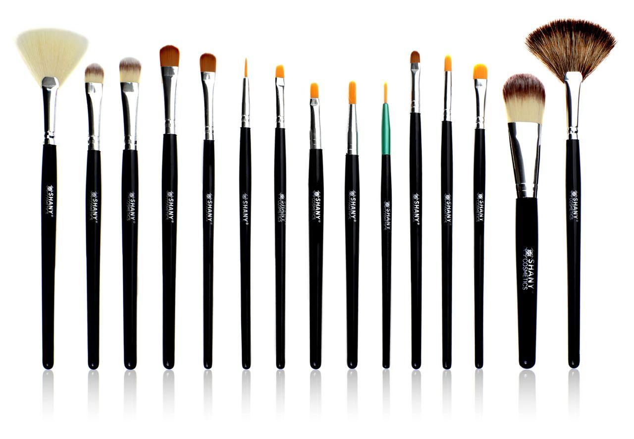 Published December 19, 2012 at 1280 u00d7 886 in Makeup Brush Essentials
